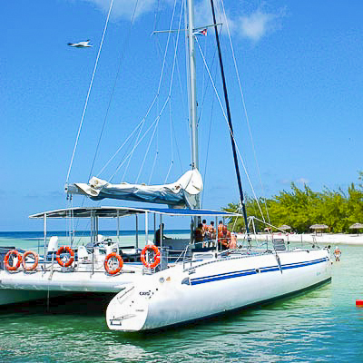 Cayo Saetia in Catamaran